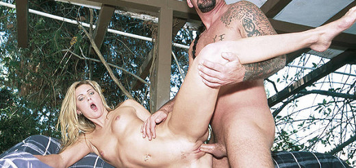 Sexy-Blonde-Ashley-Long-Fucked-Outdoors
